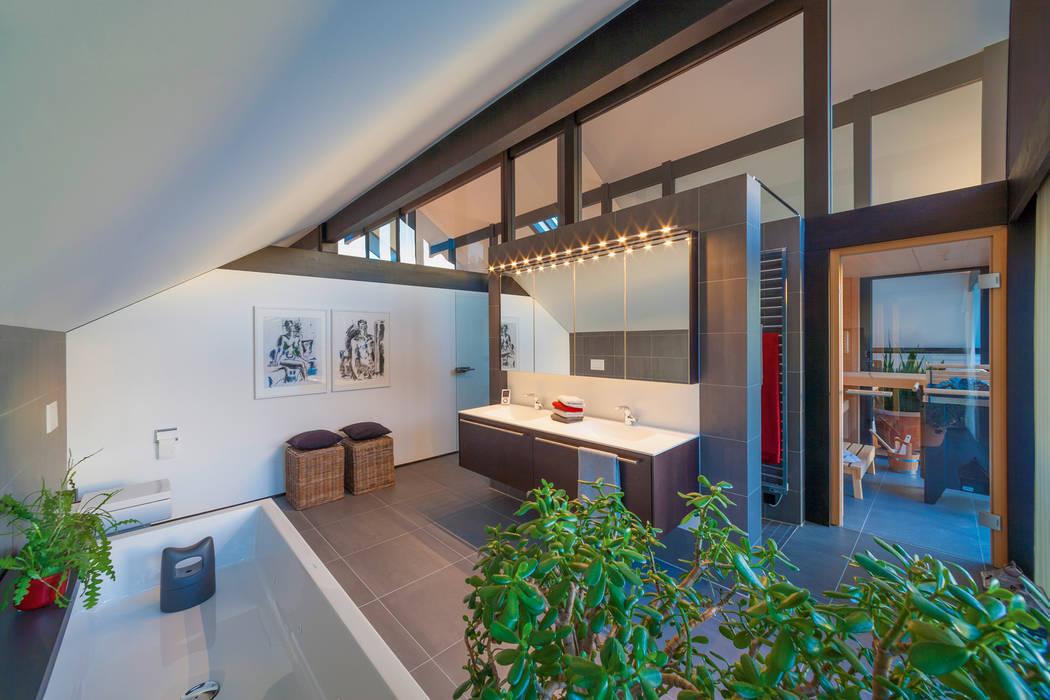 Modern Bathroom by HUF HAUS GmbH u. Co. KG Modern
