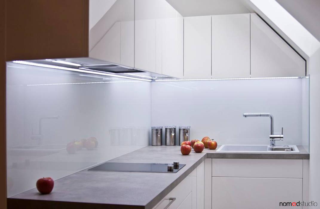 aneks kuchenny: styl , w kategorii Kuchnia zaprojektowany przez nomad studio