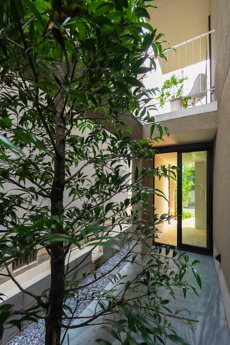 Minimalist style garden by タカヤマ建築事務所 Minimalist