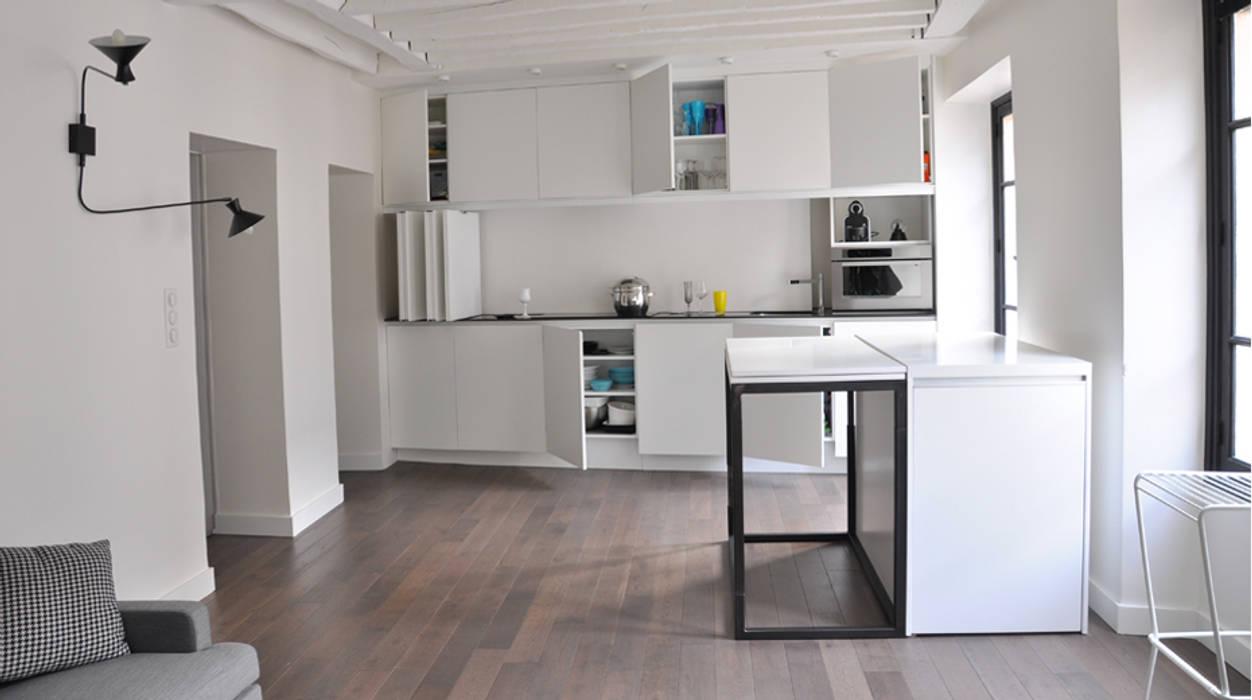 espace cuisine ouverte / Table format Bar Cuisine minimaliste par Elément commun Minimaliste