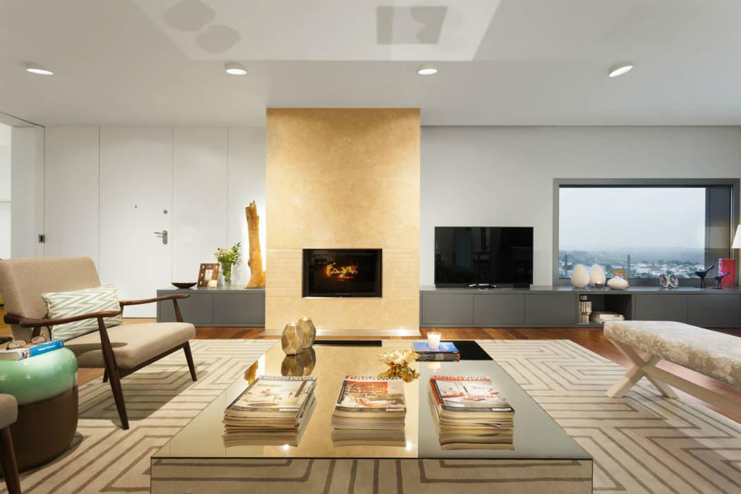 Family Room: Salas de estar  por Ana Rita Soares- Design de Interiores,