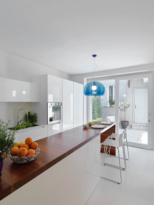 Cocinas de estilo minimalista de STUDIO DI ARCHITETTURA LUISELLA PREMOLI Minimalista