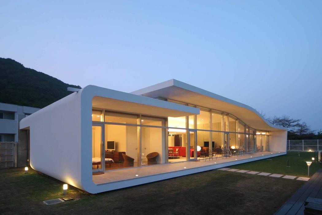 Casas de estilo ecléctico de SPACE101建築事務所 Ecléctico