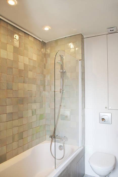 Salle de bain avec baignoire et carreaux zelliges salle de ...