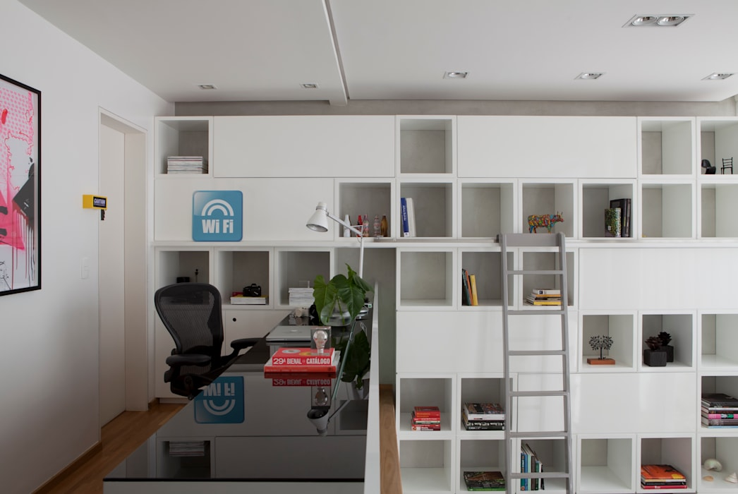 Study/office by Consuelo Jorge Arquitetos