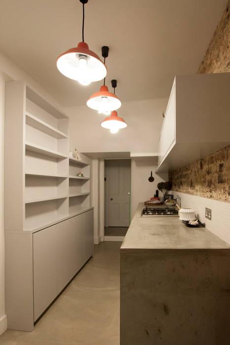 Victoria Park, E9:  Kitchen by Tendeter,