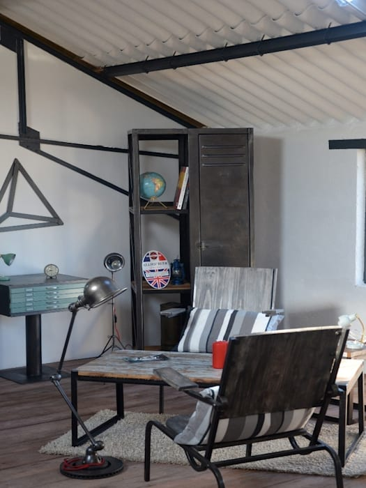 Zoom sur le showroom Hewel mobilier Locaux commerciaux & Magasin industriels par Hewel mobilier Industriel