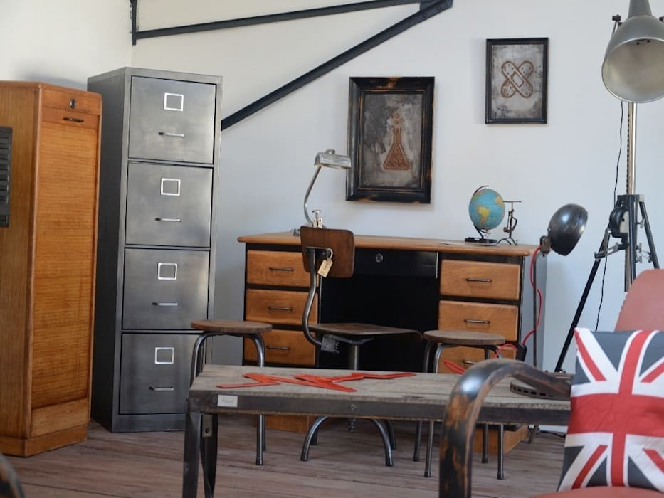 Zoom sur le showroom Hewel mobilier : Locaux commerciaux & Magasins de style  par Hewel mobilier