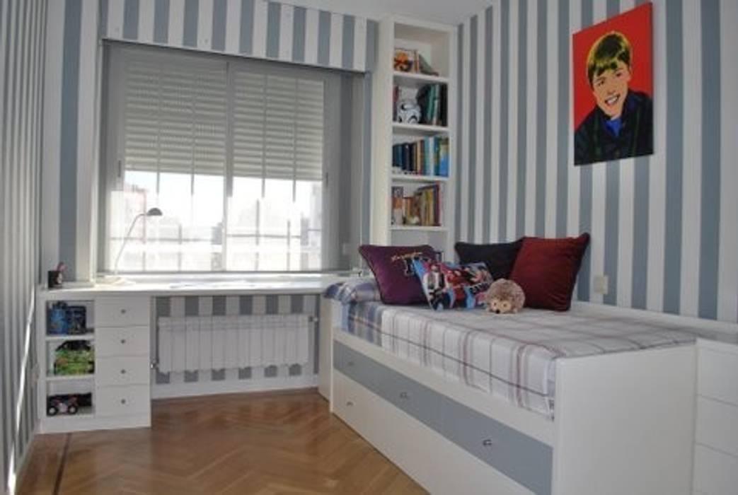 Dormitorios infantiles de estilo por paco santacreu s l homify - Muebles en coslada ...
