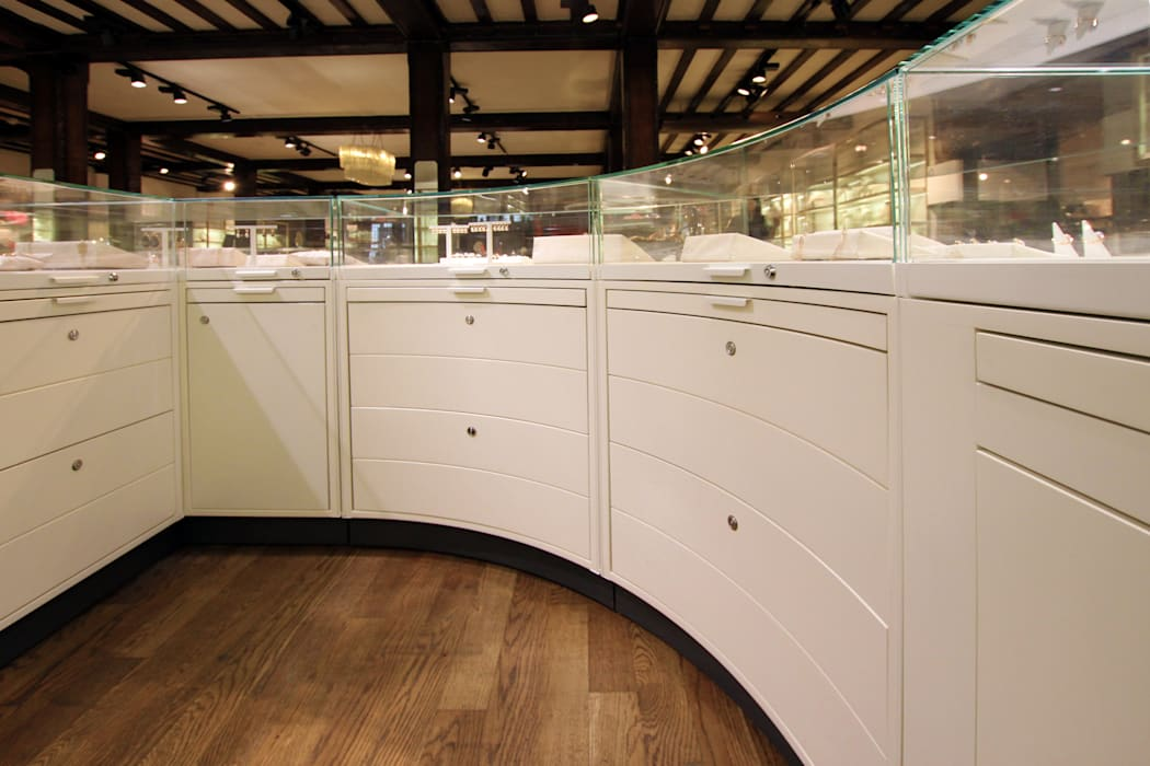 Liberty - Jewellery Emporium Modern commercial spaces by Tendeter Modern