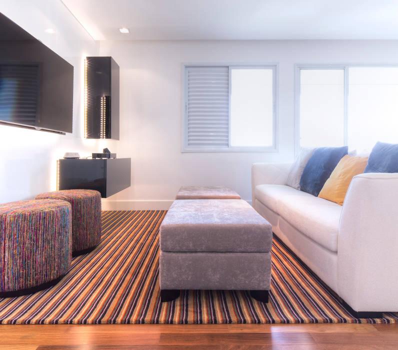 Sala de estar: Salas de estar  por ArkDek,Minimalista