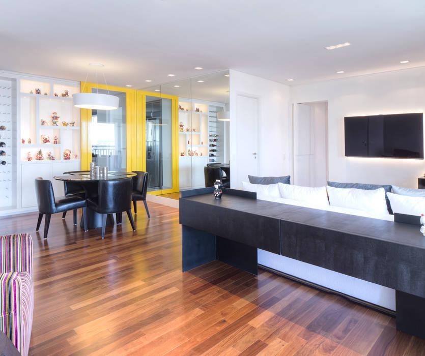 Sala de estar/jantar: Salas de estar minimalistas por ArkDek