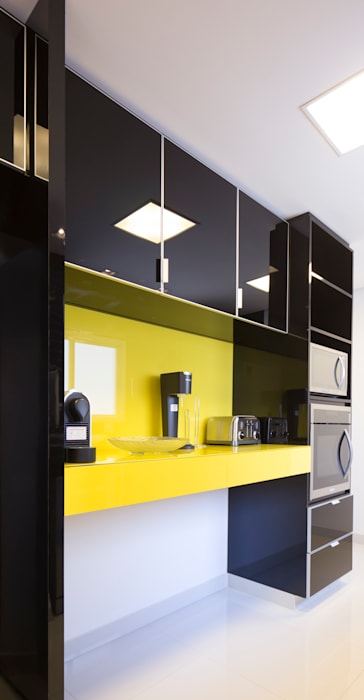 Cozinha amarela Cozinhas ecléticas por ArkDek Eclético
