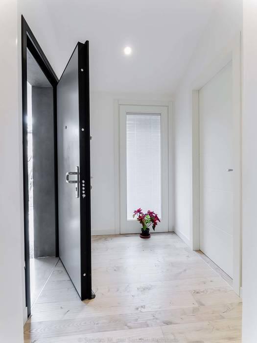 SANSON ARCHITETTI: Ingresso & Corridoio in stile  di SANSON ARCHITETTI