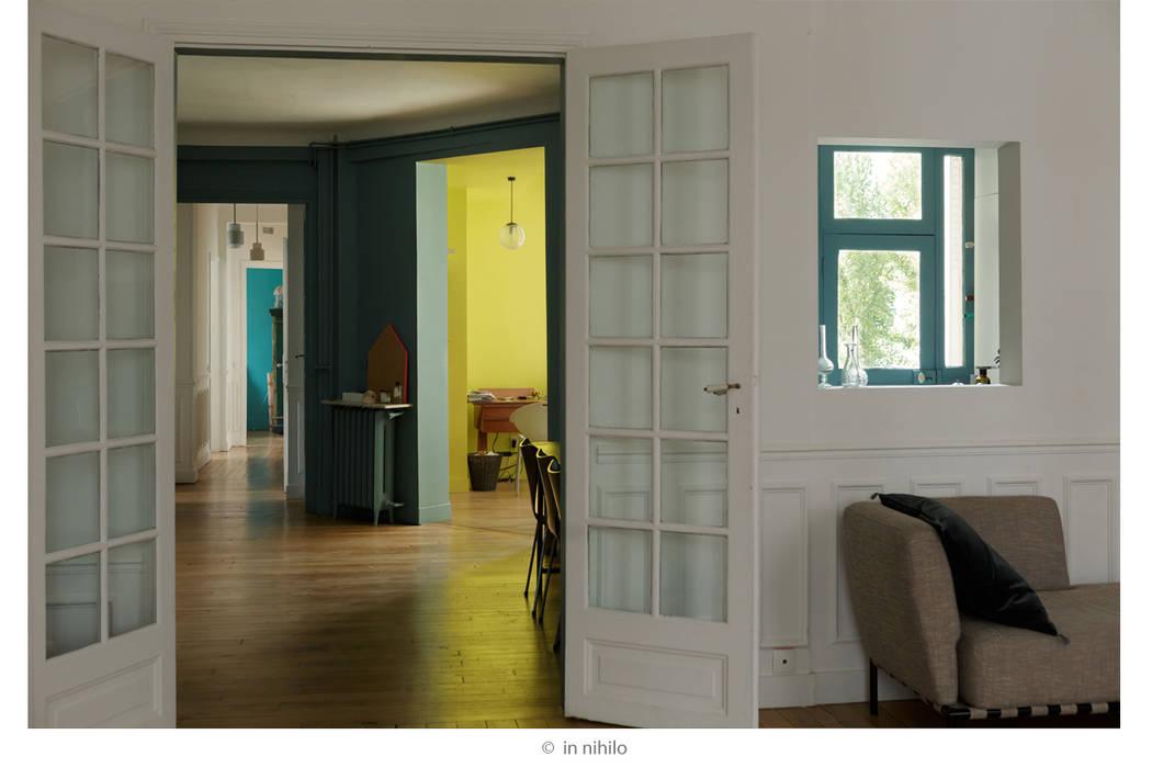 Perspectives: Couloir et hall d'entrée de style  par claire Tassinari