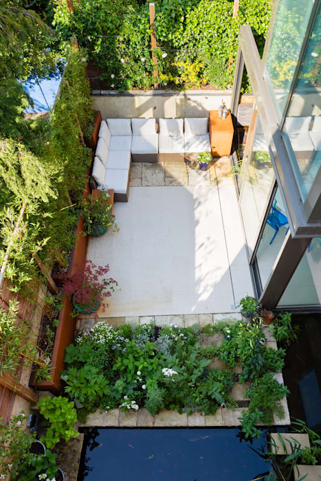 Green Retrofit, Lambourn Road:  Garden by Granit Architects, Modern