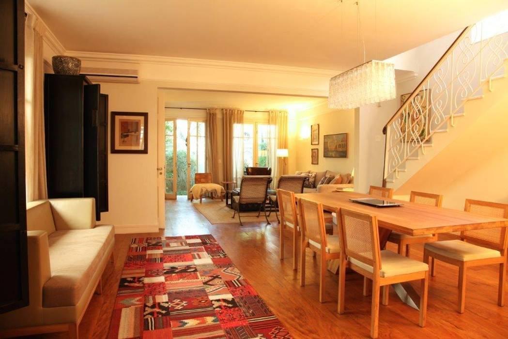 Living Salas de estar modernas por Ornella Lenci Arquitetura Moderno