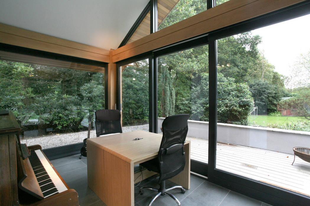 Cedarwood Tye Architects Eclectic style study/office