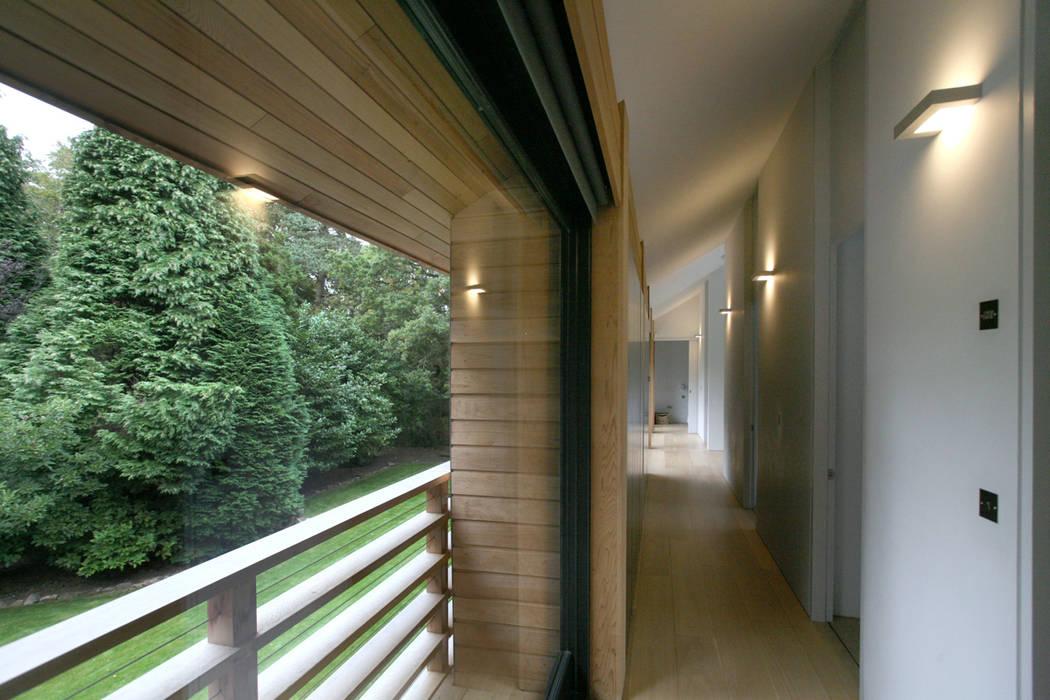 Cedarwood Tye Architects Ausgefallener Flur, Diele & Treppenhaus