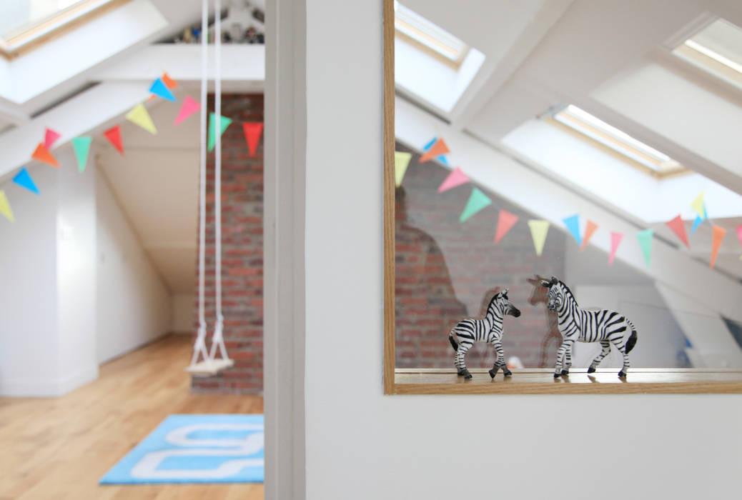 une nouvelle chambre pour les enfants: Chambre d'enfant de style  par BuroBonus