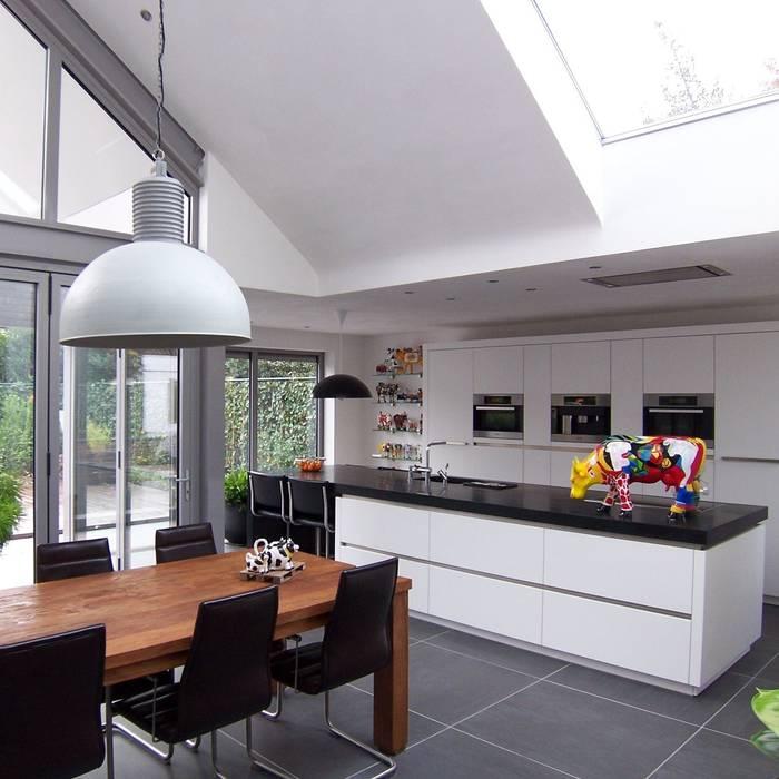 interieur leefkeuken Moderne keukens van EIKplan architecten BNA Modern