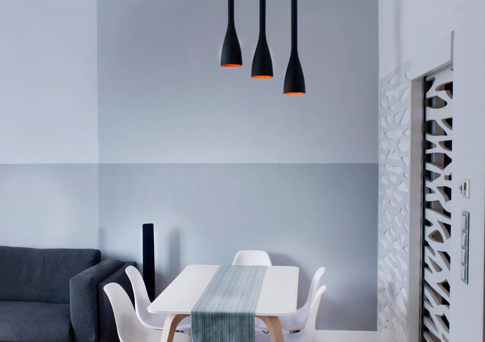 Wykonawstwo apartamentu : styl , w kategorii Salon zaprojektowany przez Vizu & Elektronag