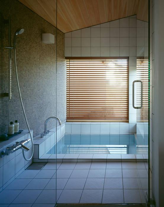 Villa Boomerang Moderne Badezimmer von 森吉直剛アトリエ/MORIYOSHI NAOTAKE ATELIER ARCHITECTS Modern