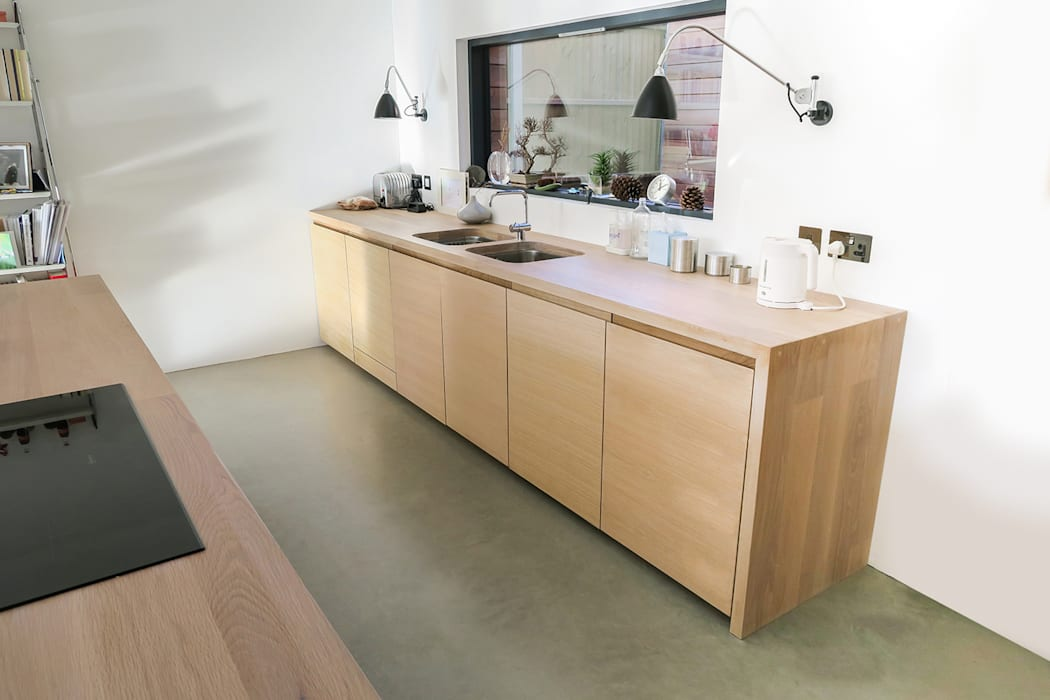 Integrated Appliances Minimalist kitchen by NAKED Kitchens Minimalist
