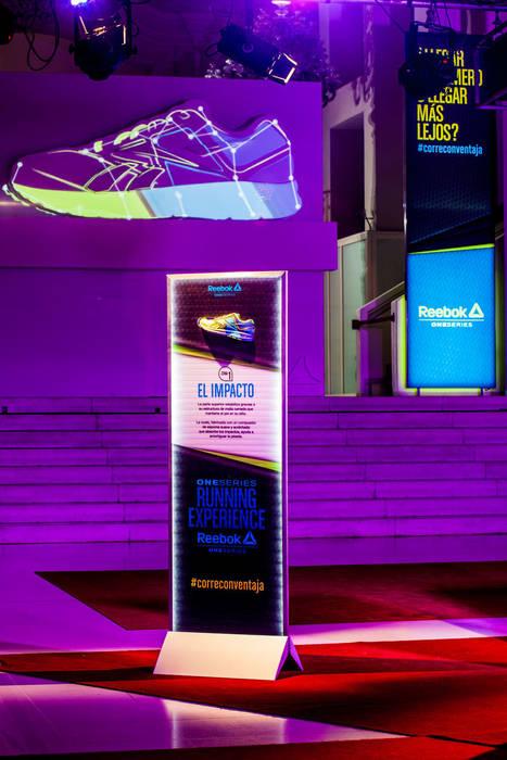 REEBOK One Series. Running Experience Barcelona Diseño de ferias de estilo moderno de Egue y Seta Moderno