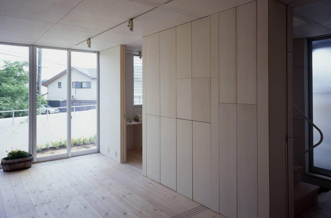 K&K-HOUSE 親世帯リビングダイニング: M4建築設計室が手掛けた和室です。