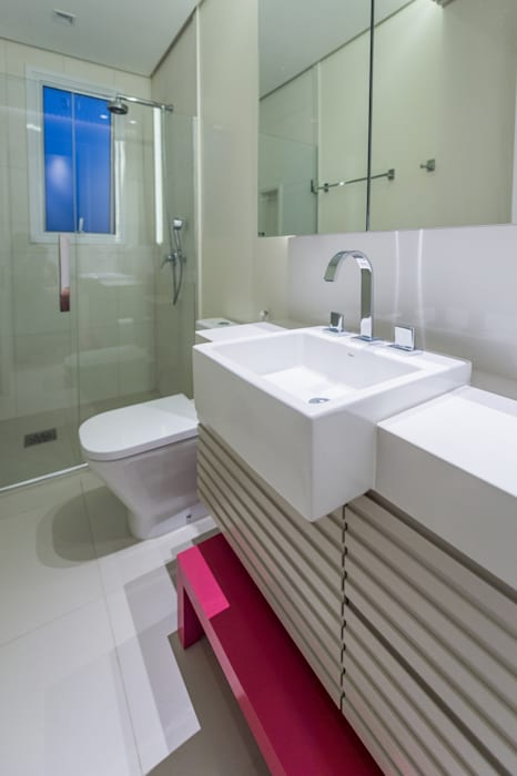 Baños de estilo moderno de GREISSE PANAZZOLO ARQUITETURA Moderno