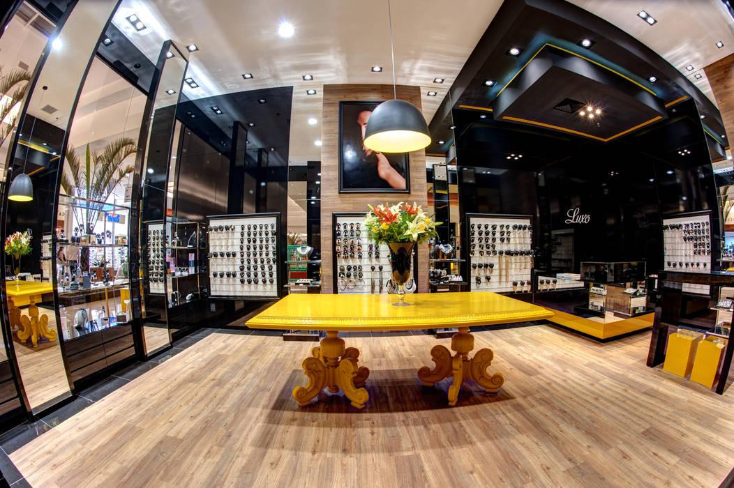 Interna Renato Lincoln - Studio de Arquitetura Shopping Centers modernos