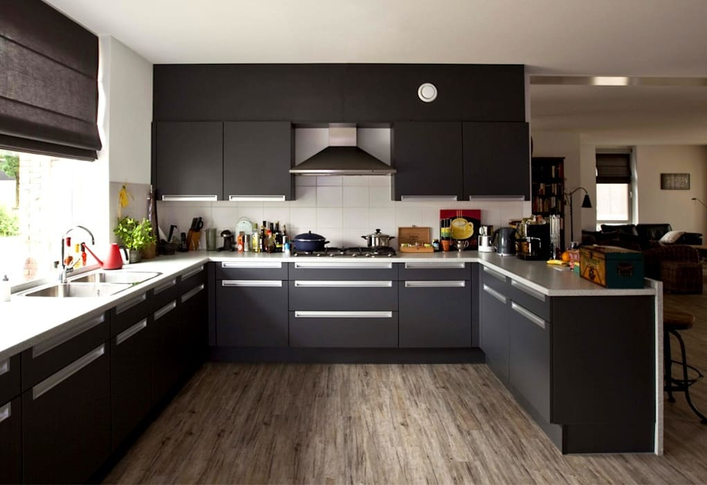 Gezinshuis De Glind:  Keuken door Archivice Architektenburo
