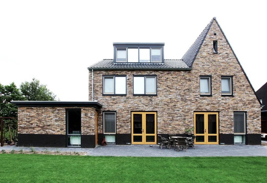 Gezinshuis De Glind:  Huizen door Archivice Architektenburo