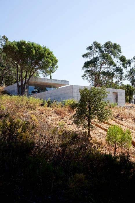 Minimalist house by Phyd Arquitectura Minimalist