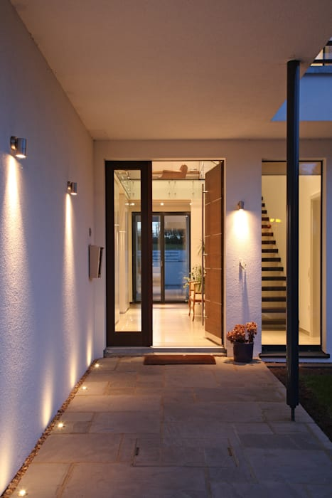 Radlett house Finestre & Porte in stile moderno di Nicolas Tye Architects Moderno