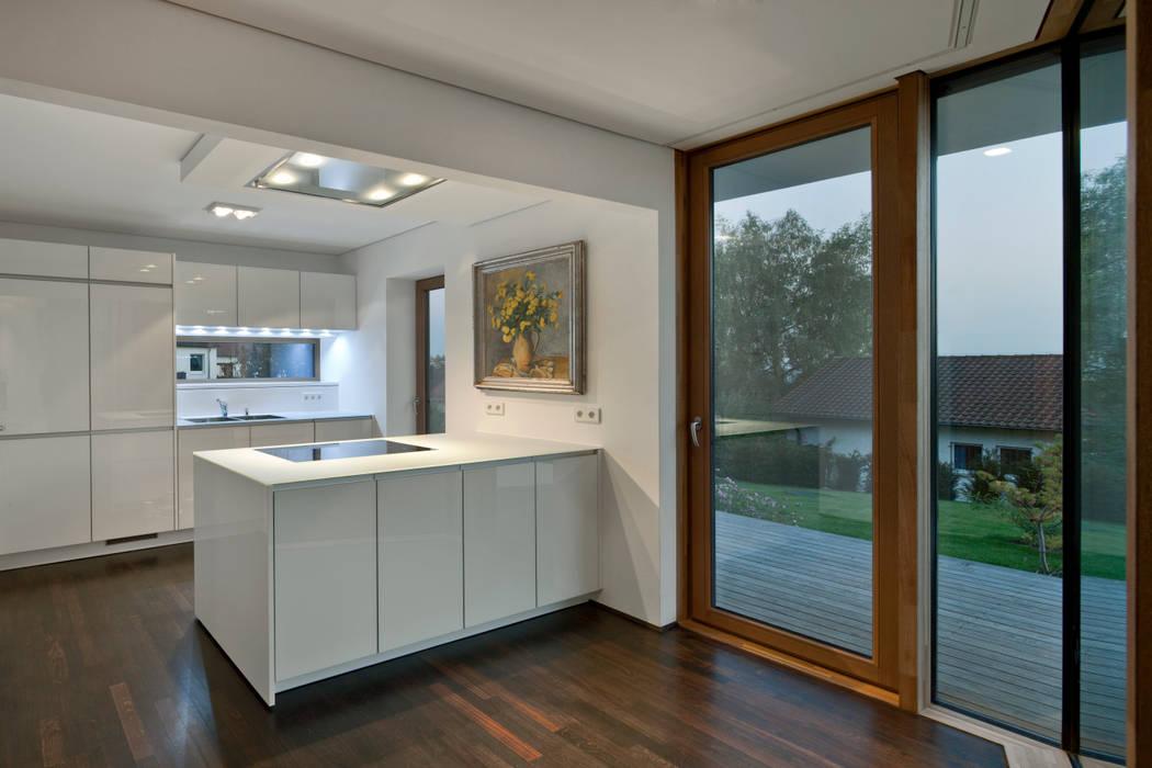 Kitchen by Kauffmann Theilig & Partner, Freie Architekten BDA