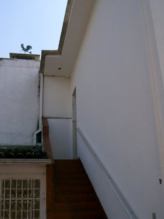Edícula ANTES:  colonial por Ornella Lenci Arquitetura,Colonial