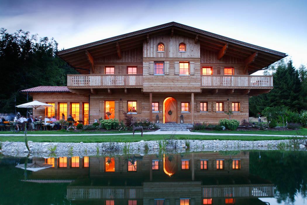 Thoma Holz GmbH Casas de estilo rural
