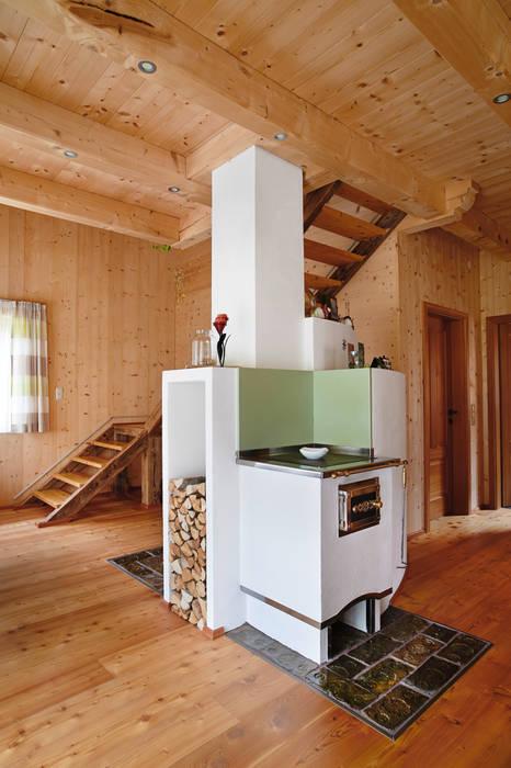 Nhà phong cách đồng quê bởi Thoma Holz GmbH Đồng quê