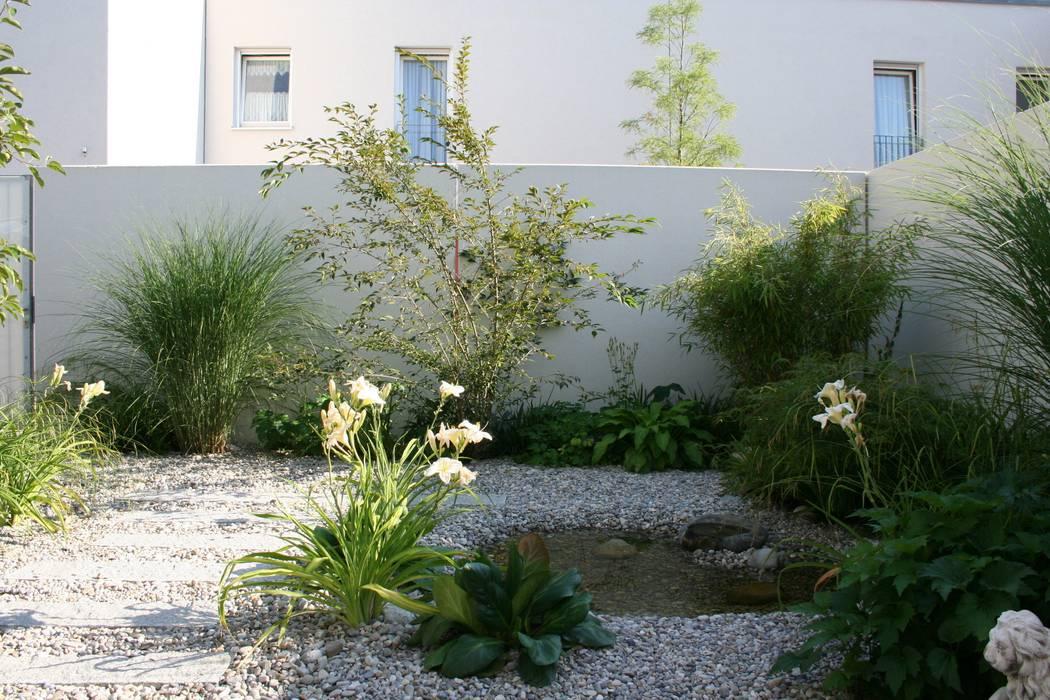Atriumgarten Munchen Riem Moderner Garten Von Blumen