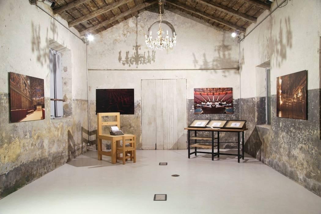 Label201_Manuela Tognoli : Studio in stile in stile Industriale di Manuela Tognoli * Label201