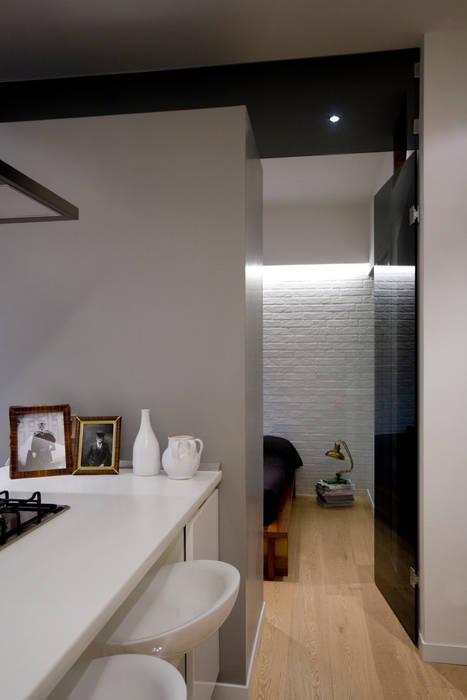 Loft CF_Manuela Tognoli Interiors Cucina in stile industriale di Manuela Tognoli Architettura Industrial