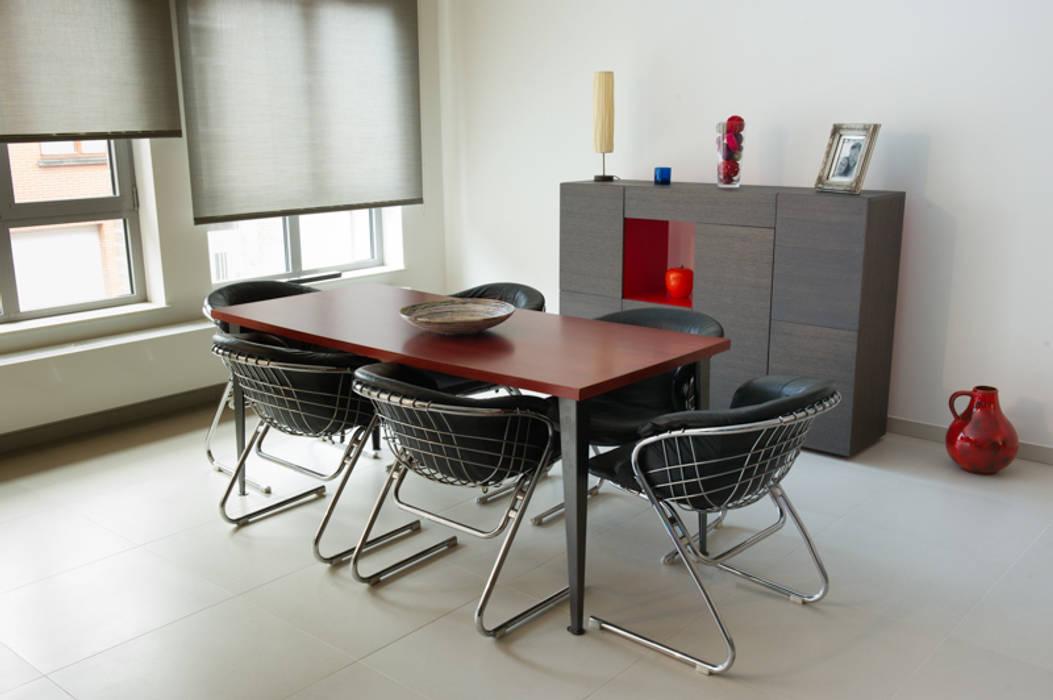 Aménagement & décoration d'un espace de vie à l'esprit vintage revisité: Salle à manger de style de style Moderne par Sensionest