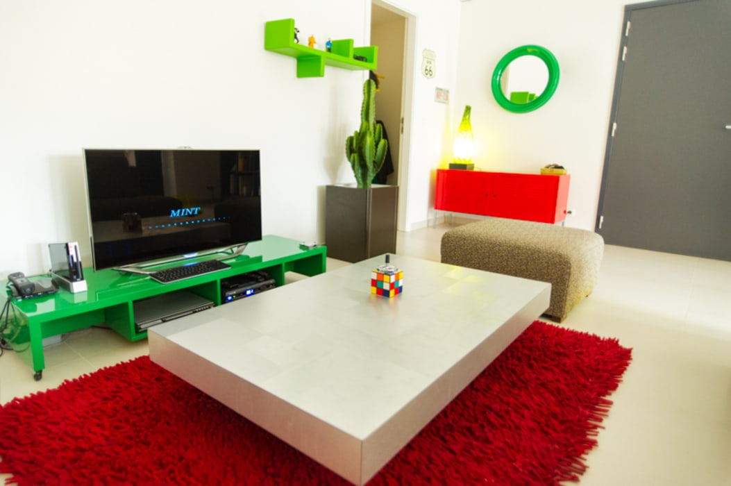 Aménagement & décoration d'un espace de vie à l'esprit vintage revisité Salon moderne par Sensionest Moderne