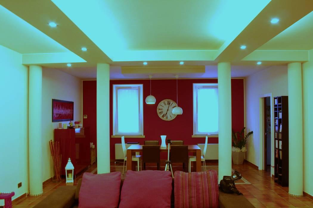 Sistemazione interni e nuova illuminazione casa di borgo: sala da