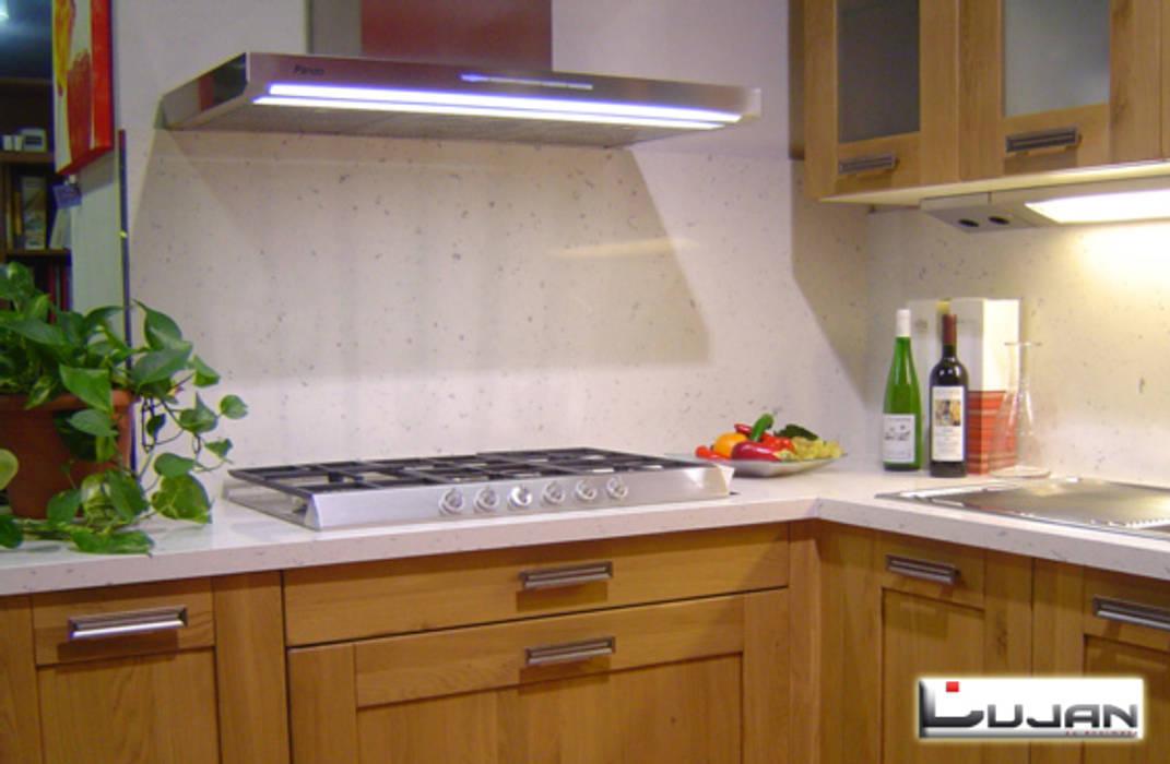 Silestone Bianco river Cocinas de estilo rústico de Lujan Marmoles Rústico