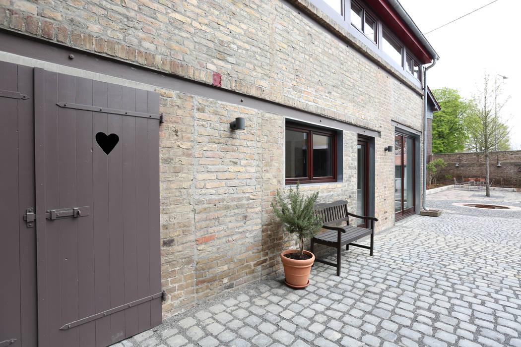 บ้านและที่อยู่อาศัย โดย Neugebauer Architekten BDA, คันทรี่