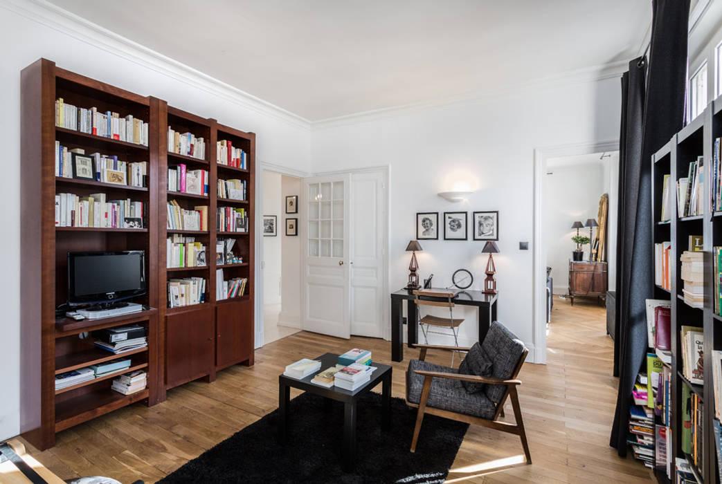 Rénovation d'un appartement à Lyon 6e: Bureau de style  par Stellati Rénovation