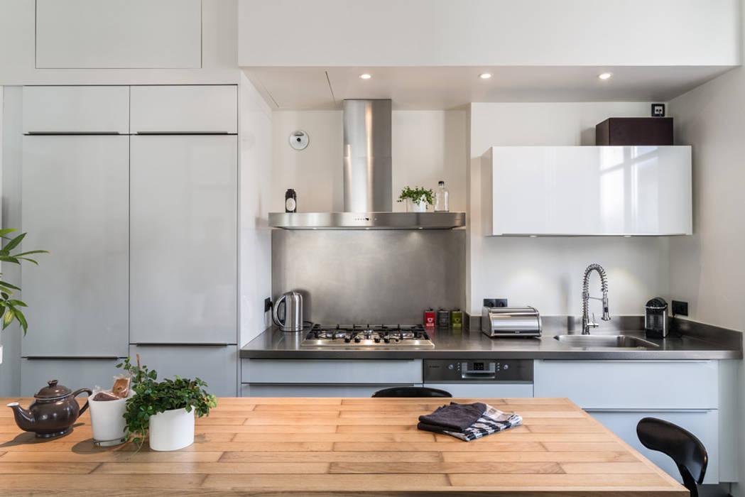 Cocinas de estilo  por Stellati Rénovation, Moderno